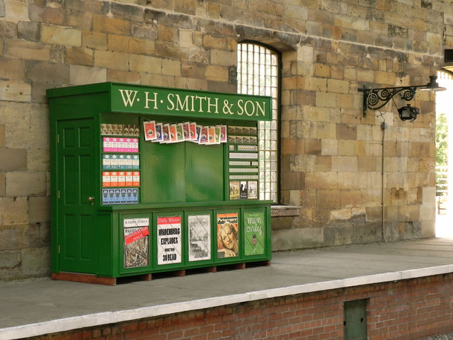 WH Smith, Pickering Station