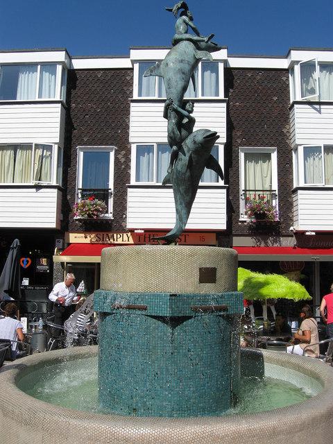 The Dolphin Fountain, Brighton Square