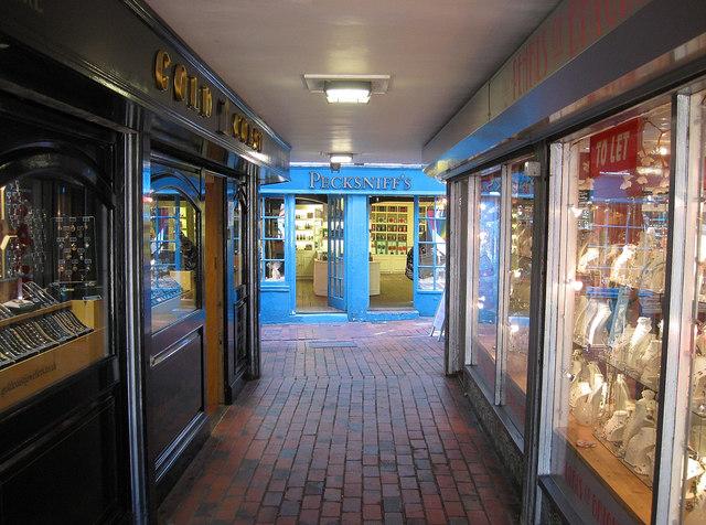 Pecksniff's, Meeting House Lane