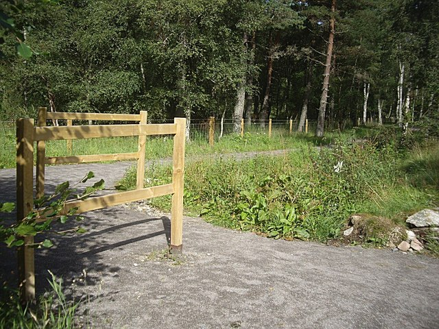 Access to new cycle path at Inchbrae