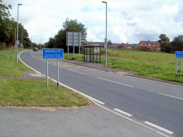 Bus shelter at the SW edge of Bronllys