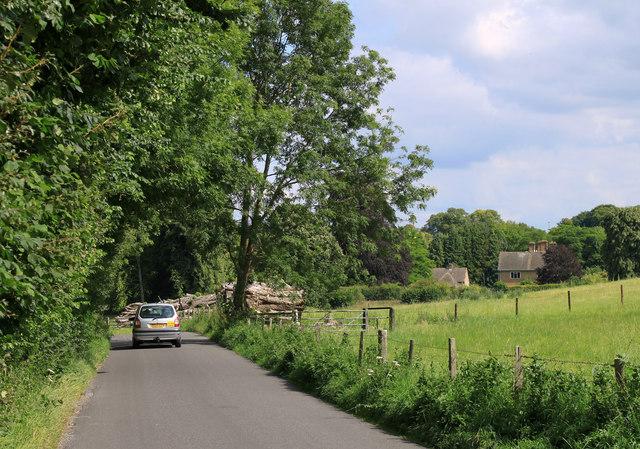 2011 : Minor road approaching Boyton