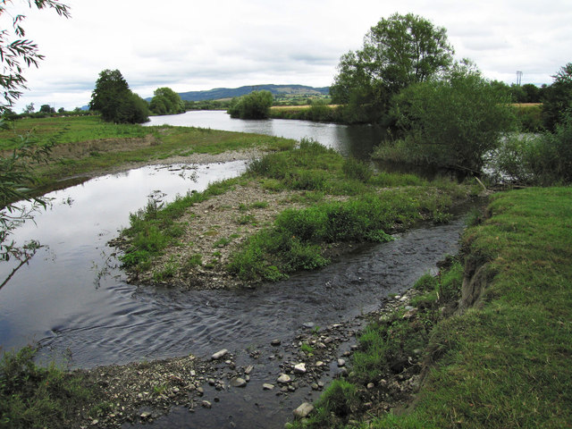 Confluence of the Rhiw and Severn rivers