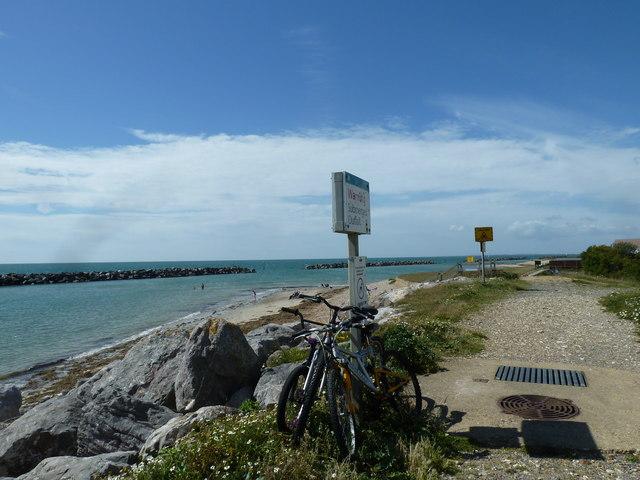 Along the coast from Atherington to Elmer (36)