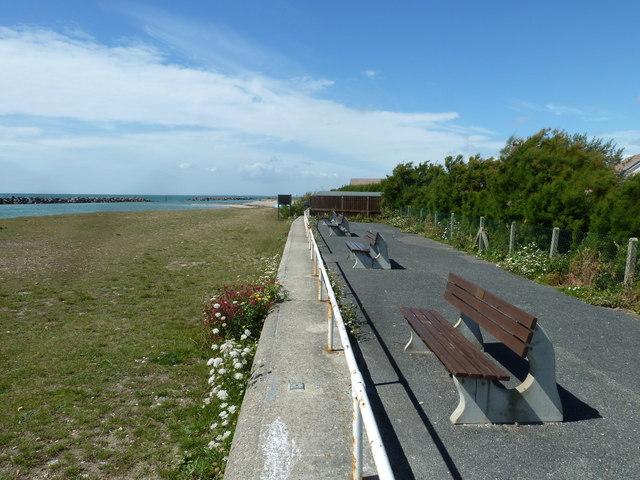 Along the coast from Atherington to Elmer (38)