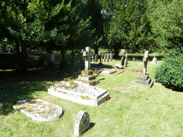 Abbotts Ann - St Mary: churchyard (8)
