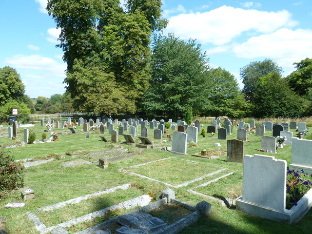 Abbotts Ann - St Mary: churchyard (9)