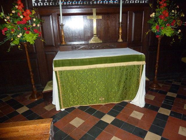 Abbotts Ann - St Mary: altar