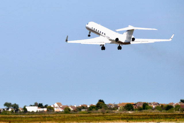 'Gulstream' taking off from Lydd Airport ( London-Ashford)