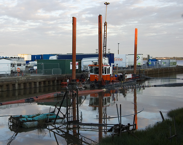 Dredging at Hessle Haven