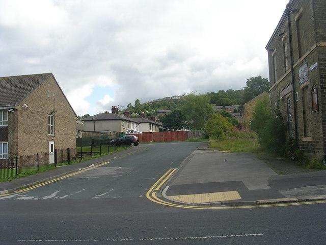 Holdsworth Street - Crag Road
