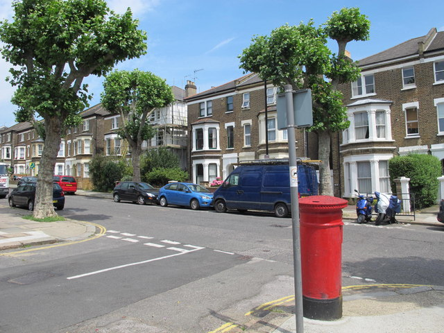 Fordwych Road / Garlinge Road, NW2 (2)