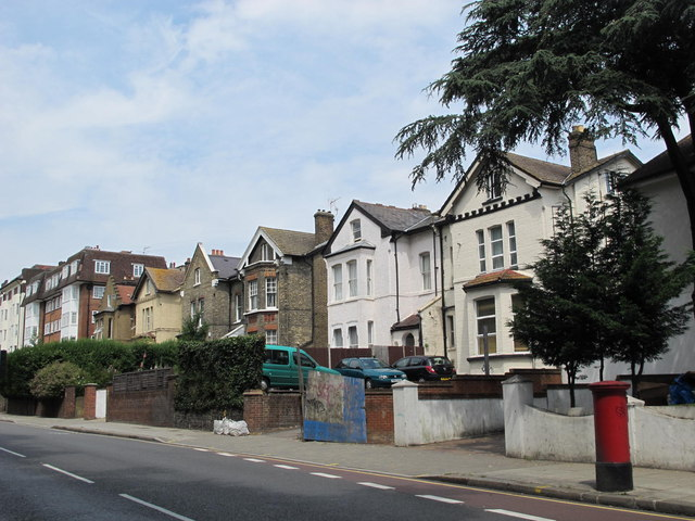 Shoot-up Hill, NW2 (2)