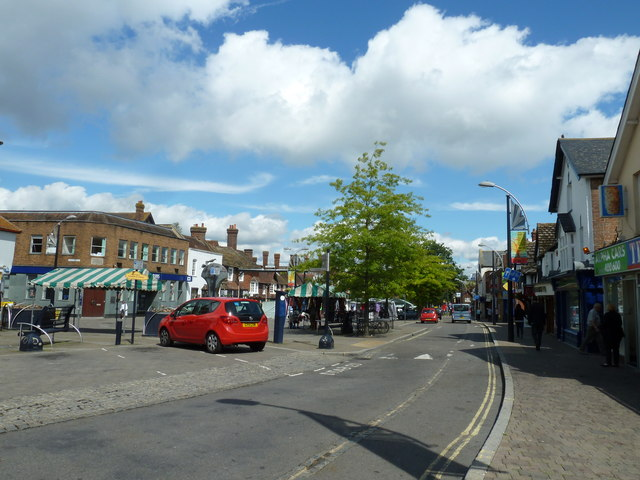 August 2011 in Crawley's historic High Street (d)