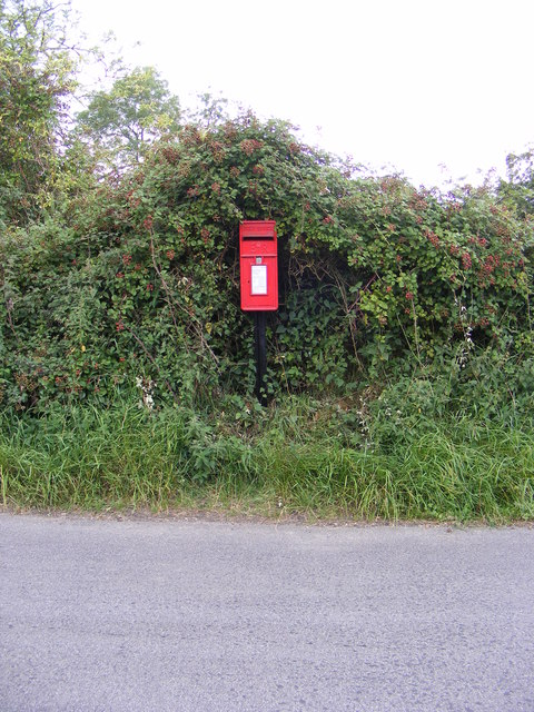 Manor Road Postbox