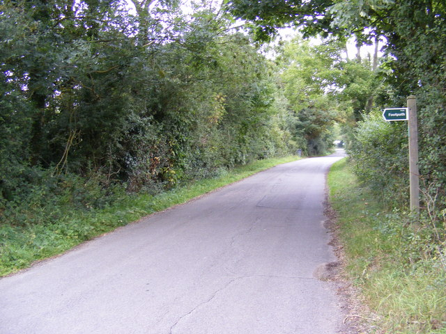 Snipe Farm Lane & the footpath to the B1079 Grunsdisburgh Road