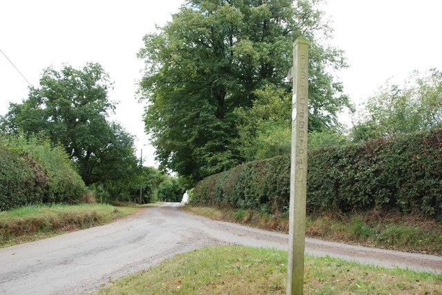 Footpath and entrance to Waltonhurst