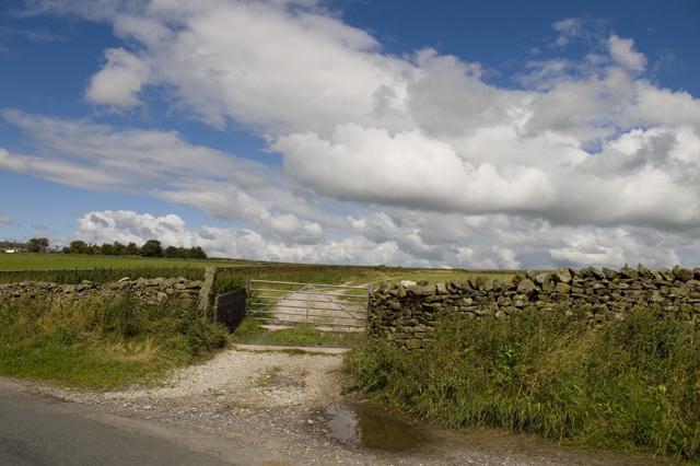 Farm track entrance near Anna Lane Head