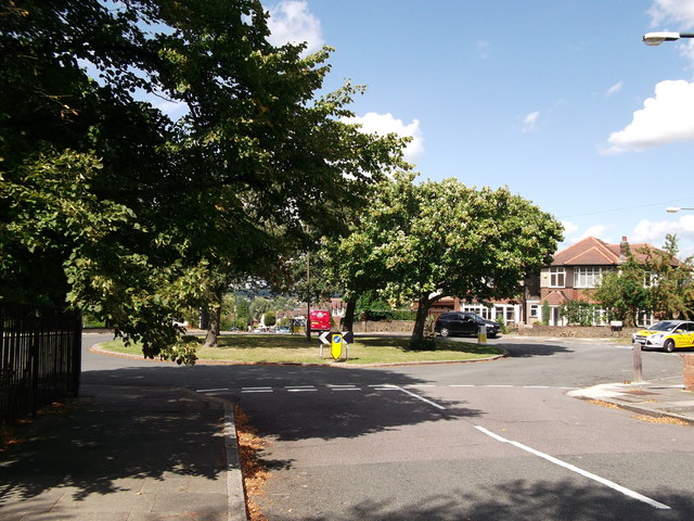 Roundabout on Crouch Croft