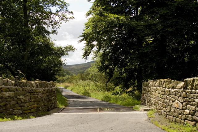 Entrance lane to Harrop Lodge