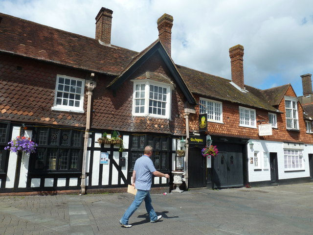 August 2011 in Crawley's historic High Street (j)