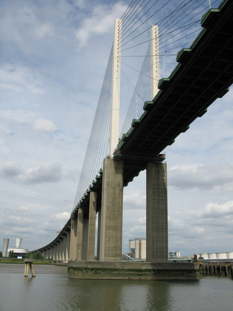 The Queen Elizabeth Bridge carrying the A282 over the Thames