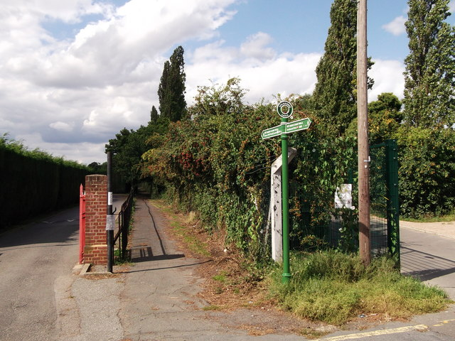 Green Chain Walk on Sparrows Lane