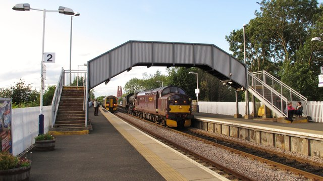 Evening 'rush hour' at Dalmeny Railway Station