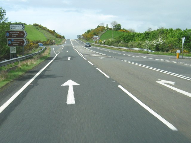 A staggered crossroads with the A747