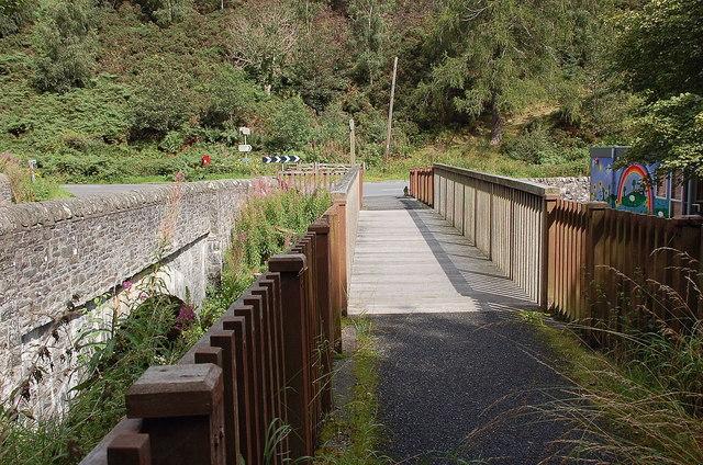 Pedestrian and road bridges, Caddonfoot
