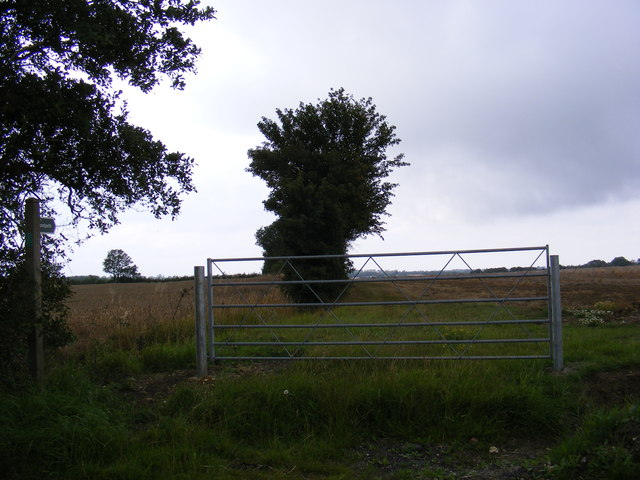 Footpath to the B1079 Grundisburgh Road
