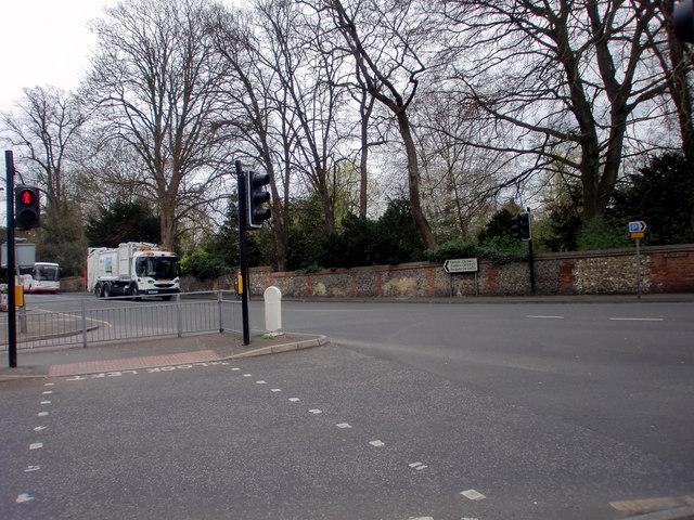 London Road, Ewell West, Surrey