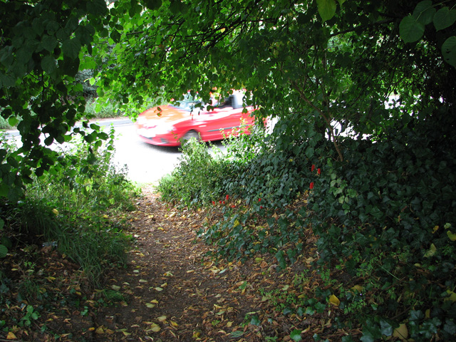 Footpath to Leiston Road