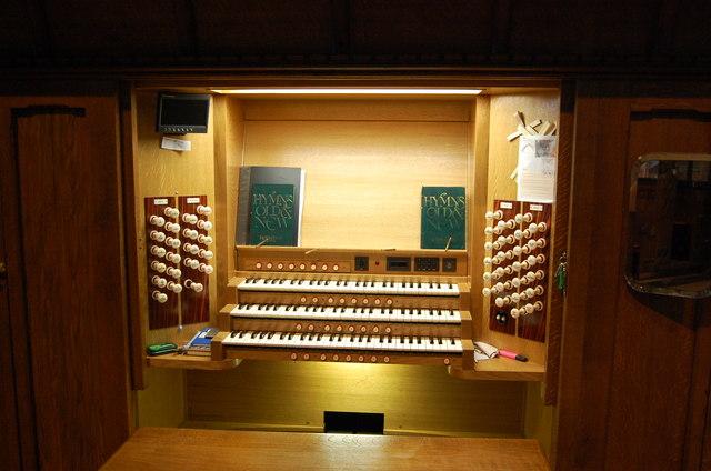 Organ Console, Ledbury Church