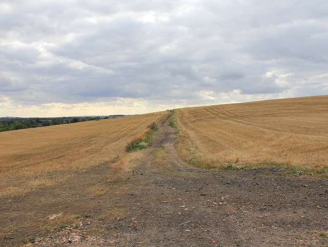 Unclassified country road over Ascote Hill