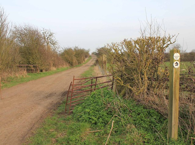 Unclassified country road to Ascote Hill