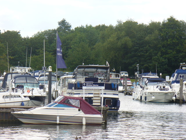 Windsor Marina Entrance