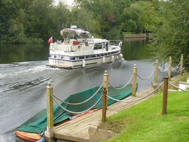Pleasure Boat by Bray