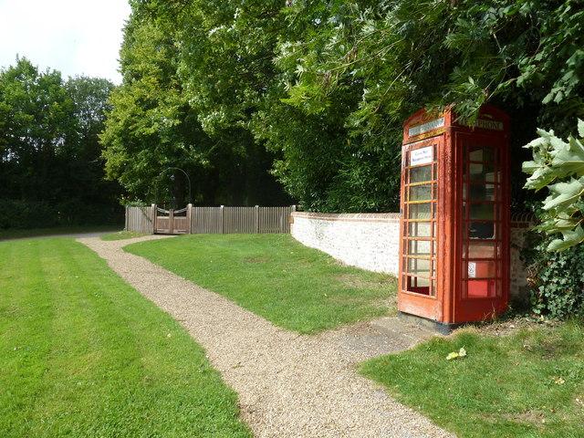 Phonebox outside St James, Woodmancott