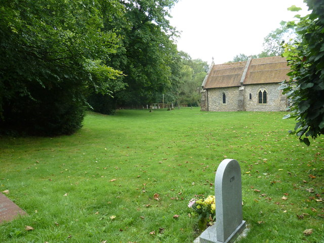 St Martin, Ellisfield: churchyard (a)