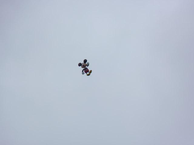 Runaway Mickey balloon escapes  over Maesgeirchen, Bangor