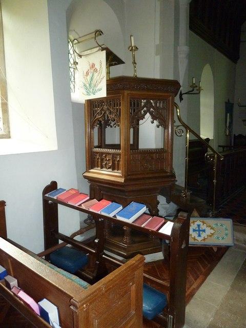 St Martin, Ellisfield: pulpit