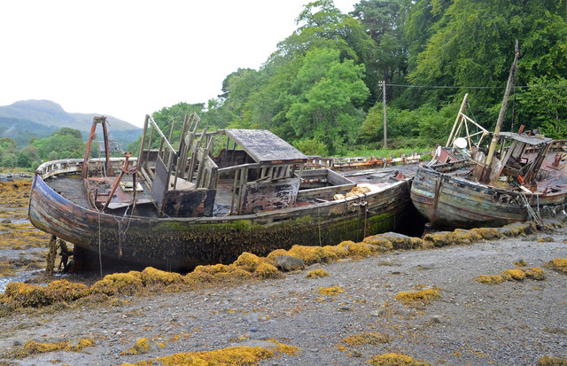Boats at the old pier, Salen (2)