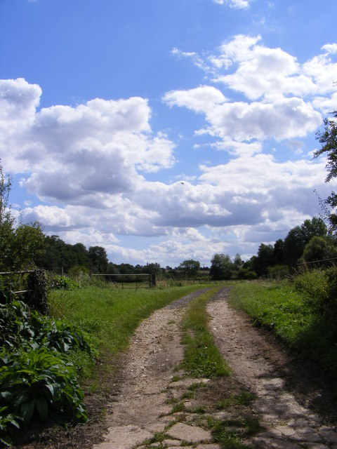 Footpath to Framsden Road Entrance to Fenn Cottages