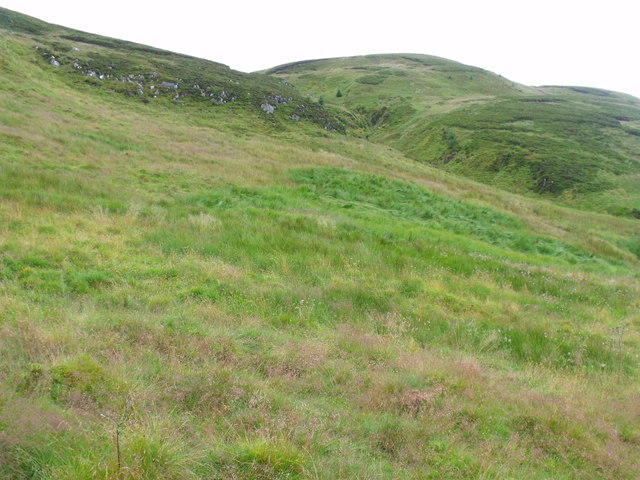 Looking up the course of companion burn to outflow from Binnean nan Gobhar's lochan