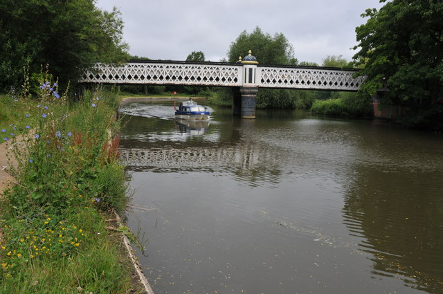 Gasworks Bridge over the Thames