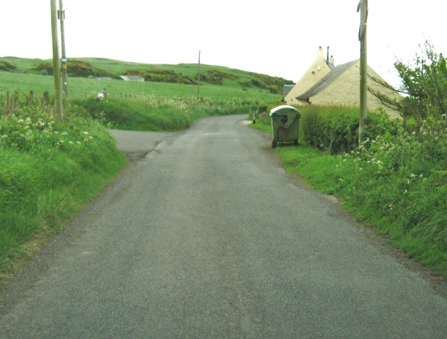Bay Cottage and the entrance to Balcarry