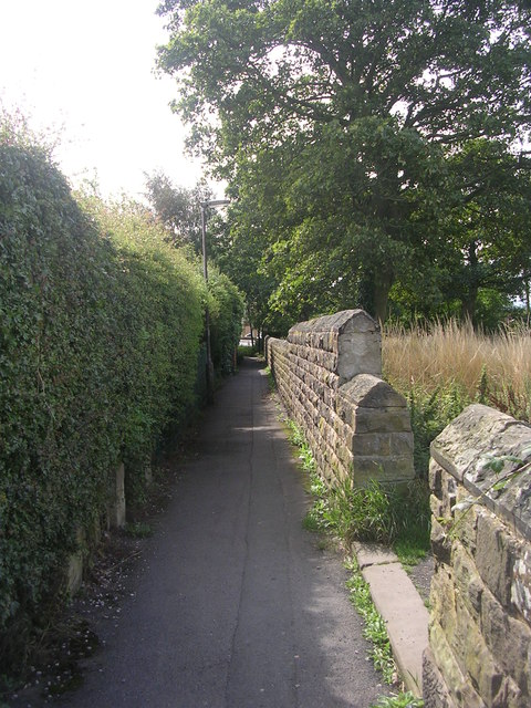 Footpath - St Paul's Road