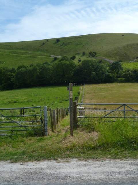 Enclosed footpath south from Fulking