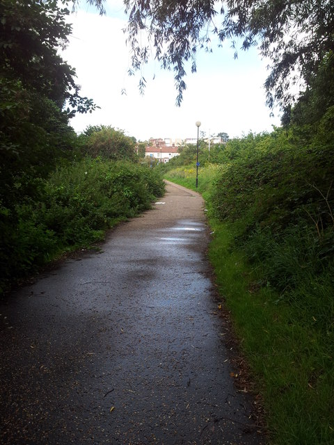 Footpath from Wensum Park to Drayton Road
